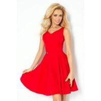 Dámske spoločenské šaty a červená farba